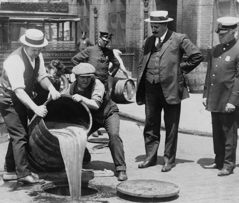 История сухого закона в США